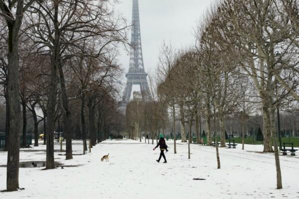 Απίστευτο: Έκλεισε μέχρι και ο Πύργος του Άιφελ από τον χιονιά!