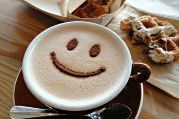 Κορίτσια δώστε βάση: Πόσο καφέ επιτρέπεται να πίνουμε; η ειδικός συμβουλεύει