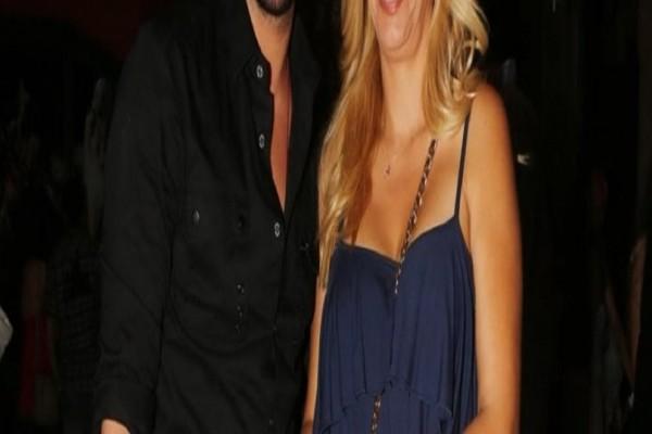 Πασίγνωστος Έλληνας τραγουδιστής υιοθετεί παιδί! -  Ο λόγος για τον... (Photo)