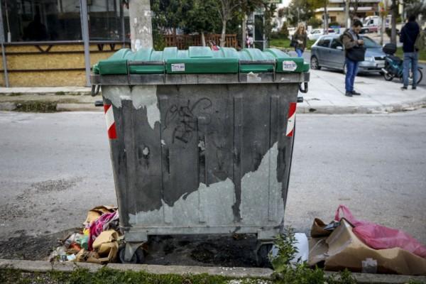 Νεκρό βρέφος μέσα σε σκουπίδια στην Πετρούπολη: Το φίμωσαν με χαρτοπετσέτες για να μην ακούγεται το κλάμα του!