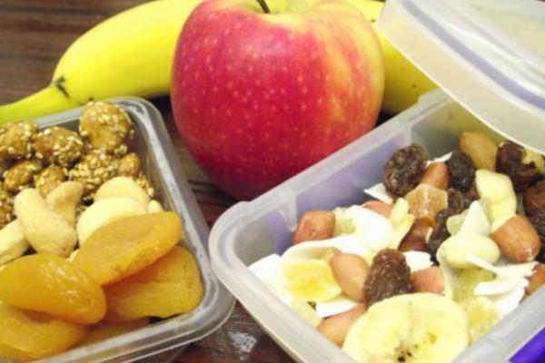 Υγεινά σνακ και γλυκά; Οι καλύτερες επιλογές για σένα που προσέχεις τη διατροφή σου