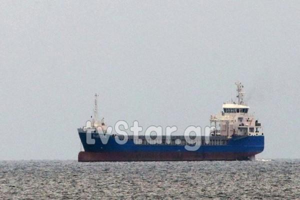 Συναγερμός σε ελληνικά ύδατα: Σε καραντίνα πλοίο με μεταδοτικό νόσημα! Νεκρός 40χρονος μάγειρας (videos)