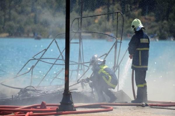 Βόνιτσα: Φωτιά ξέσπασε σε σκάφος που βρισκόταν σε ιδιωτική μαρίνα!