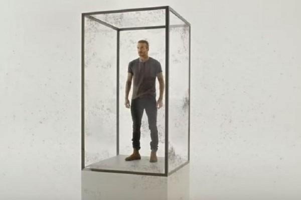 Συγκλονιστικό βίντεο: Ο Μπέκαμ μπαίνει σε κλουβί με 10.000 κουνούπια! - To «ηχηρό» μήνυμα κατά της ελονοσίας!