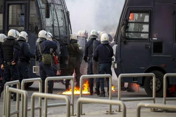 Χαμός στο Ηράκλειο: Επεισόδια οπαδών Ολυμπιακού και ΑΕΚ!