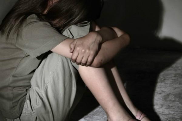 Φρίκη: Δάσκαλος κακοποίησε σεξουαλικά δυο κοριτσάκια ηλικίας 8 και 9 ετών!
