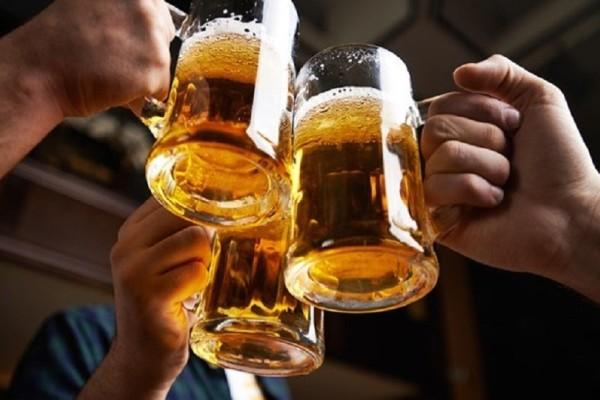 Απίστευτο βίντεο: Ούτε ένας, ούτε δύο αλλά 21 διαφορετικοί τρόποι για να ανοίξετε μια μπύρα!
