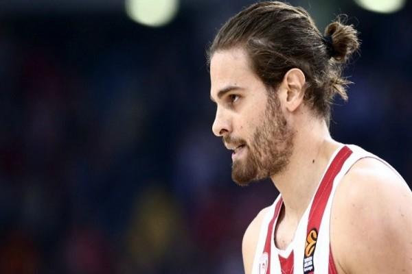 Ο Ολυμπιακός παίρνει θέση για τον συμβάν με τον Μπόγρη! Η επίσημη ανακοίνωση για τον ξυλοδαρμό του αθλητή!