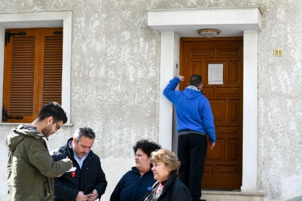 Οικογενειακό έγκλημα στον Άγιο Δημήτριο: Από την Καθαρά Δευτέρα ήταν νεκρά τα δύο αδέλφια μέσα στο σπίτι! (video)