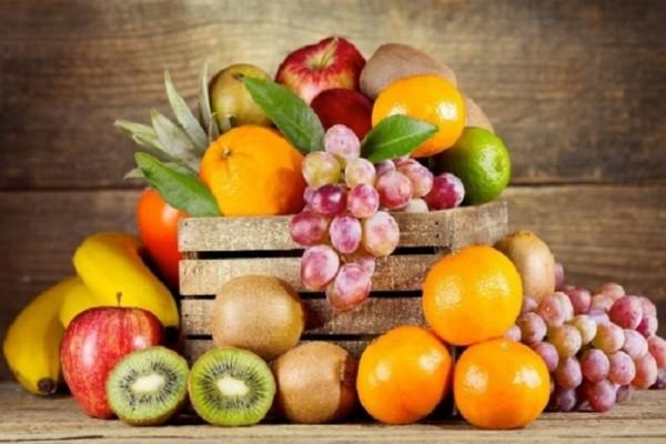Για σένα που ακολουθείς μια υγιεινή διατροφή: 2 χειμερινά φρούτα με την λιγότερη ζάχαρη!