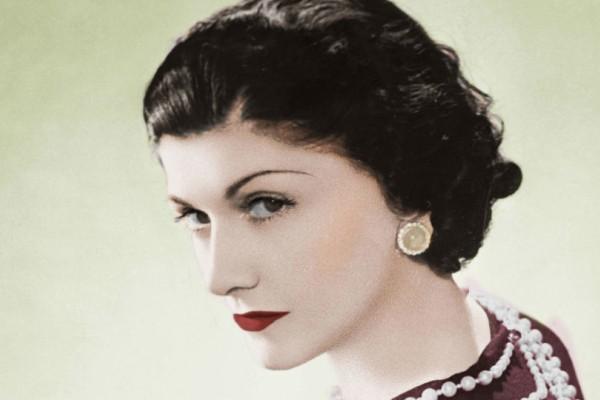 Coco Chanel: 8 χρυσές συμβουλές της για διαχρονικό στυλ