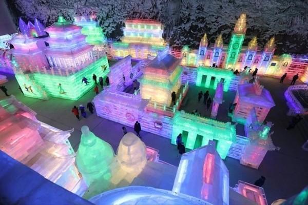 Η φωτογραφία της ημέρας: Στιγμιότυπο από το φεστιβάλ πάγου και φωτός στη Κίνα!