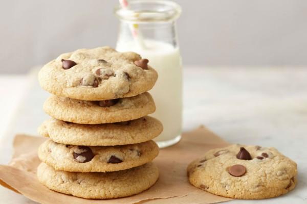 Χρησιμοποίησε αυτό το μυστικό υλικό και φτιάξε τα πιο απολαυστικά μαλακά μπισκότα με σοκολατένια τσιπς!