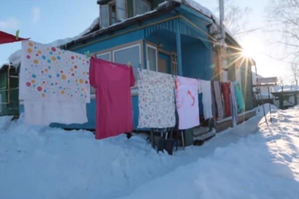 Τα ρούχα γίνονται... παγάκια: Πώς στεγνώνει η μπουγάδα στη Σιβηρία, στους ‑ 50 βαθμούς Κελσίου; (video)