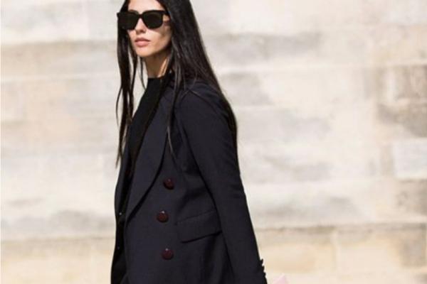 Δώσε χρώμα στα μαύρα outfits με εύκολες πινελιές!