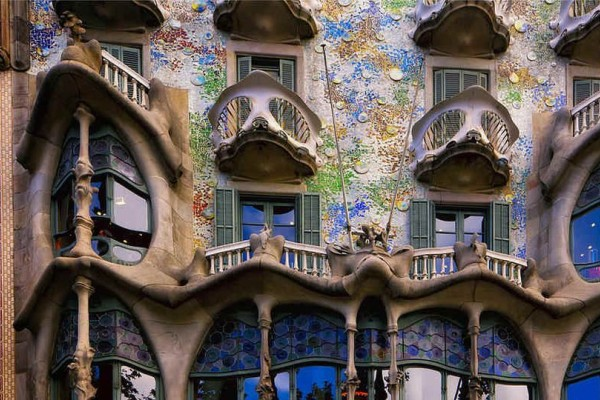 Antoni Gaudi: Όταν η Βαρκελώνη έγινε ο καμβάς του! 5 Αριστουργηματικά έργα σταθμοί