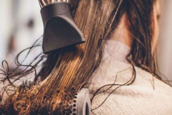 Έτσι θα στεγνώνουν τα μαλλιά σου πιο εύκολα!