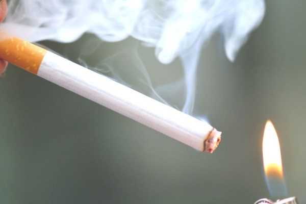 Δείτε ποια χώρα προχωρά σε μήνυση εναντίον των καπνοβιομηχανιών για «έκθεση σε κίνδυνο θανάτου»