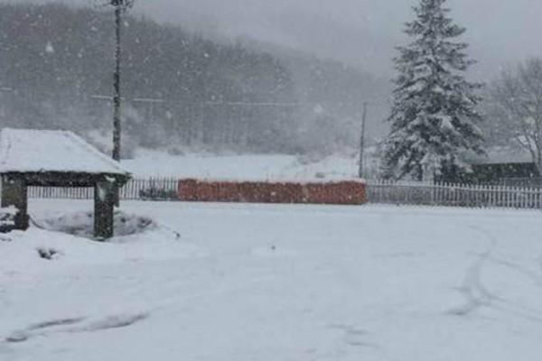 Σφοδρή χιονόπτωση στην Ηπειρο: Οι μαγικές εικόνες από Μέτσοβο και Τζουμέρκα!