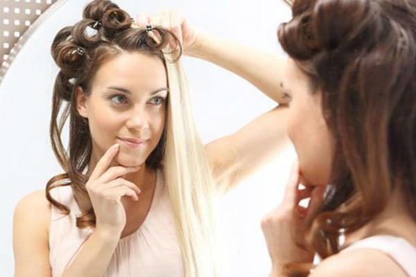 Κι όμως υπάρχουν φυσικοί τρόποι για να έχετε ίσια μαλλιά!