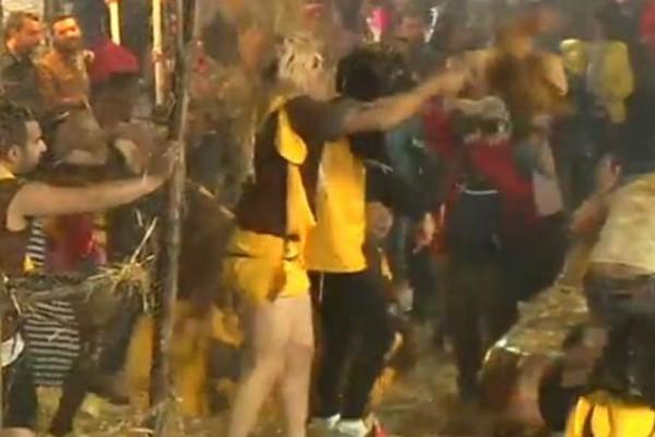 Φυλάκιση με αναστολή σε έξι καρναβαλιστές που ποδοπατούσαν κότες στο καρναβάλι!