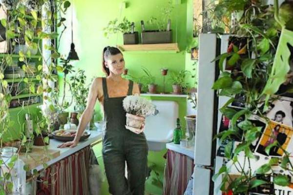 Νεοϋορκέζα  με 500 φυτά μέσα στο σπίτι της!