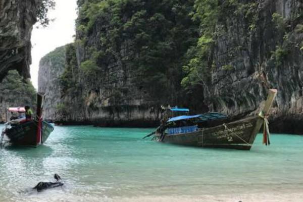 Κλείνει για τους τουρίστες ο πανέμορφος κόλπος που γυρίστηκε η ταινία «The Beach»!