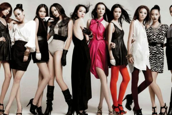 Μόνο πάνω από 18 ετών τα μοντέλα που θα ποζάρουν για τη Vogue