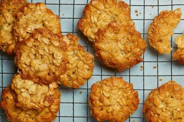 Μπισκότα με μέλι και αμύγδαλα για τον πρωινό σου καφέ!