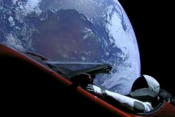 O Mr Tesla είναι Ένα βήμα πιο κοντά στον Άρη!