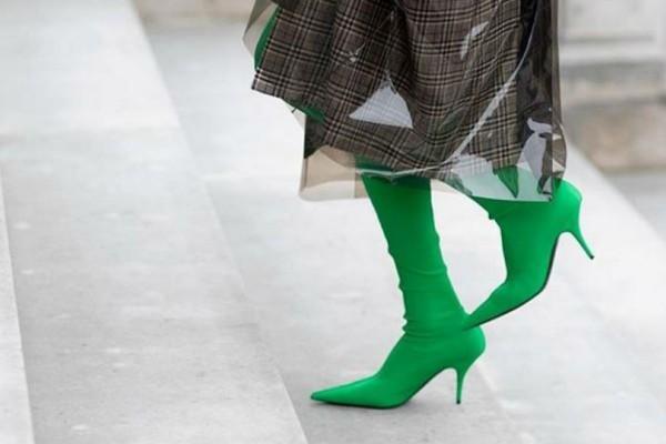 Έτσι θα φορέσεις σωστά τα Sock booties!