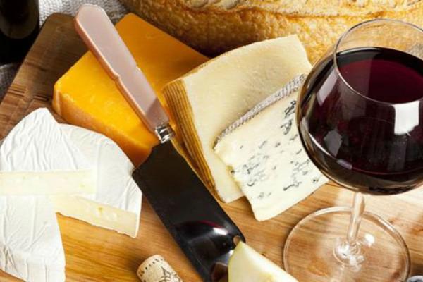 Oι καλύτεροι συνδυασμοί τυριών και κρασιών!
