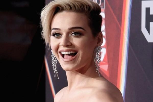 Η Katy Perry φίλησε παρθένο! - Η απίστευτη αντίδραση του που μας άφησε με το στόμα ανοιχτό!