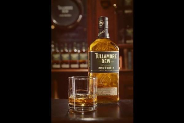 Tullamore D.E.W: Το αυθεντικό Ιρλανδικό ουίσκι που θα γίνει η συντροφιά σου για το St. Patrick's!