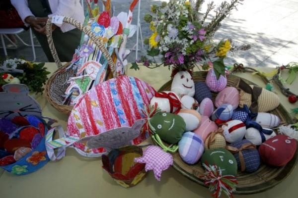 Αθήνα: Πασχαλινά παζάρια στην πόλη - Λαμπάδες, δώρα και γλυκά σε προσιτές τιμές!