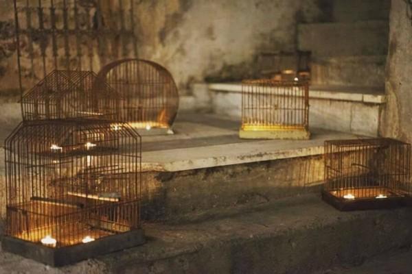 Δεν θα πιστεύετε στα μάτια σας... Αυτό το ολοκαίνουριο cafe στο κέντρο της Αθήνας κρύβει μια «μυστική» αυλή!