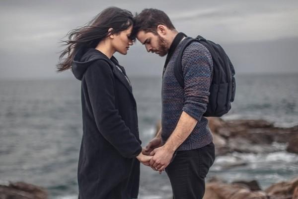 Ζηλεύεις τον σύντροφό σου; - 5 tips για να το ξεπεράσεις!