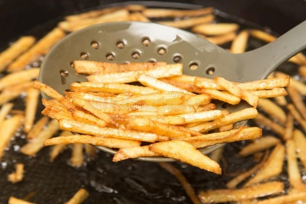 Πως το σπιτικό φαγητό γίνεται χειρότερο από το έξω: Τα 4 λάθη που κάνουμε στο μαγείρεμα!
