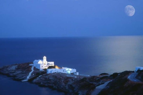 10 πανέμορφα εξωκλήσια στο Αιγαίο για να κάνετε τον γάμο σας ακόμα πιο ονειρεμένο!