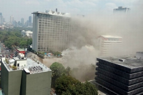 Τραγωδία στις Φιλιππίνες: Ξενοδοχείο τυλίχθηκε στις φλόγες - Τουλάχιστον 4 νεκροί!