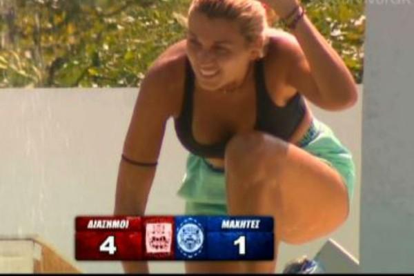 Survivor 2: Η επική βουτιά της Σπυροπούλου που θα σου φτιάξει την ημέρα! Κόντεψε να πνιγεί στην πισίνα!