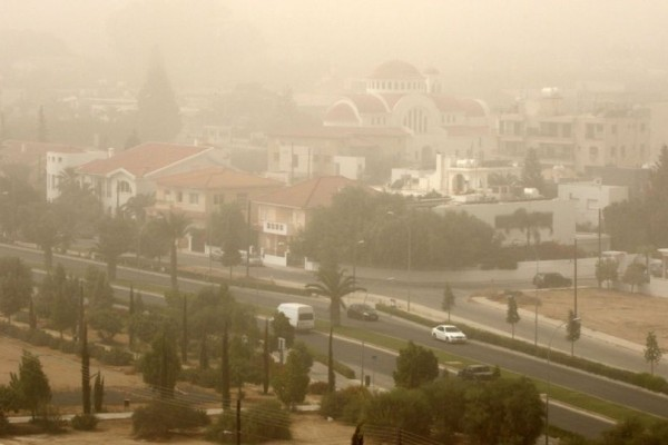 Απότομη αλλαγή του καιρού με ισχυρές καταιγίδες, ανέμους και αφρικανική σκόνη!