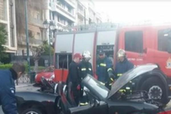 Τροχαίο σοκ στης Βασιλίσσης Σοφίας: Σοβαρά τραυματισμένος ο οδηγός!