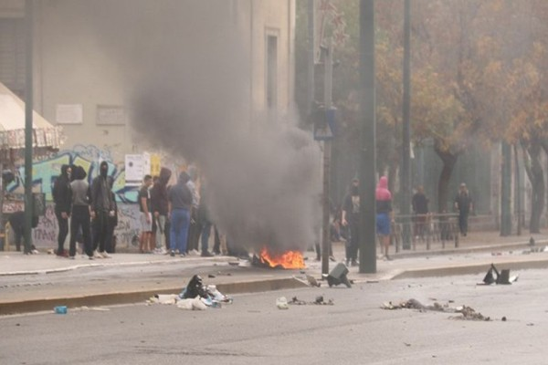 Πολύ σοβαρά επεισόδια στο κέντρο της Αθήνας!