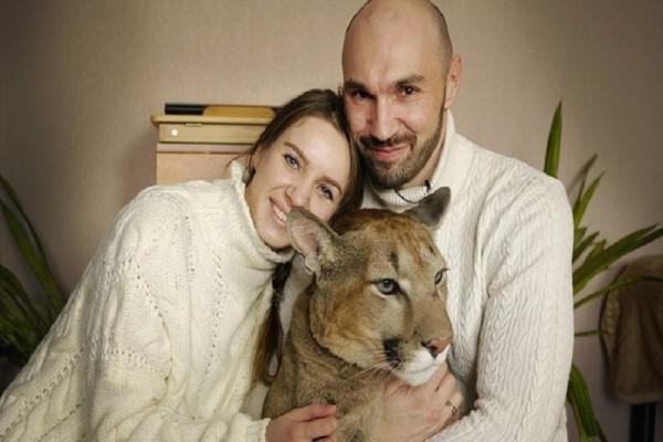 Απίστευτο κι όμως αληθινό: Ζευγάρι υιοθέτησε ένα... πούμα από ζωολογικό κήπο! (Video)