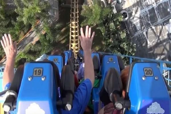 Εικόνες που κόβουν την ανάσα: Αυτό είναι το πιο τρομακτικό roller coaster στον κόσμο! (Video)