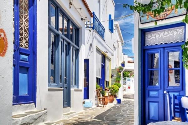 Γραφικό, πανέμορφο και οικονομικό! Αυτό είναι το μικρό νησί του Αιγαίου που αποτελεί hot προορισμό (photos)