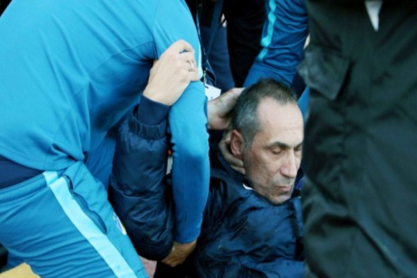 Σοκ στην Κύπρο: Δέχτηκε ποτήρι στο κεφάλι ο Δώνης στο Ομόνοια-ΑΠΟΕΛ!