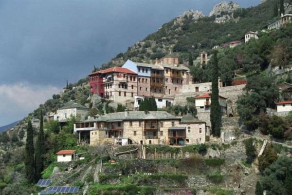 Απίστευτο και όμως... Ελληνικό! Στο Άγιον Όρος ζήτησαν δωρεάν Wi-Fi!