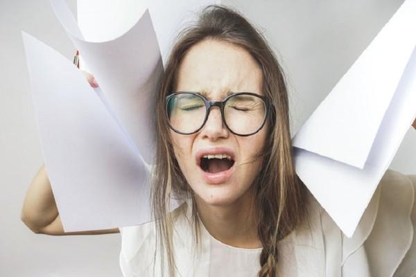 Παθαίνετε κρίση πανικού: 6 τρόποι για να τους αντιμετωπίσετε!